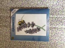 bee centrepiece