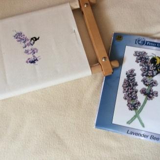 new start bee quilt centrepiece