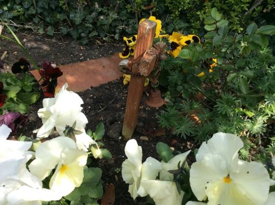 grave for ruffles